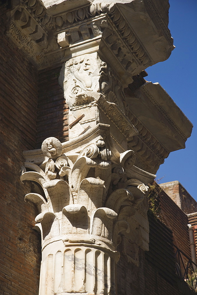Close up of Corinthian column