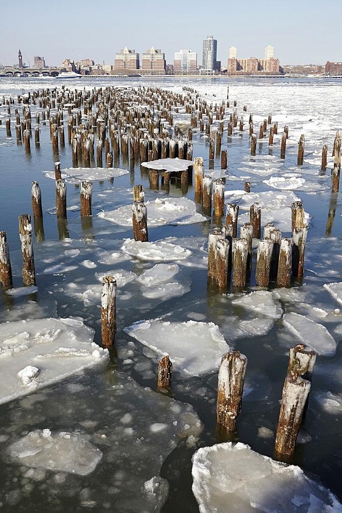 Groyne in Hudson River, Hudson River, New York,USA