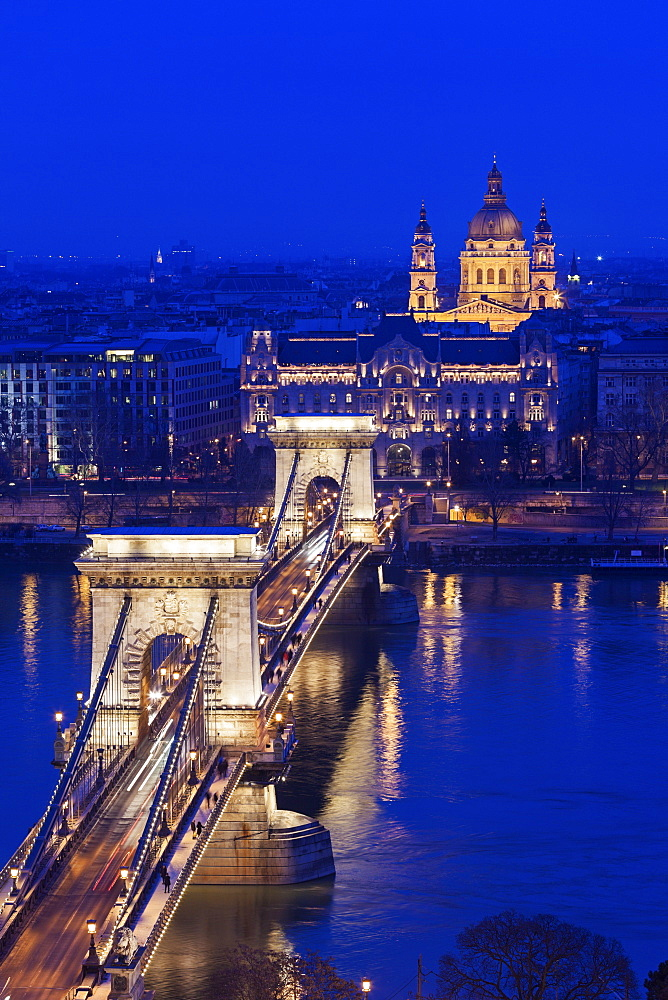 Illuminated Chain Bridge and Saint Stephen's Basilica, Hungary, Budapest, Chain bridge, Saint Stephen's Basilica