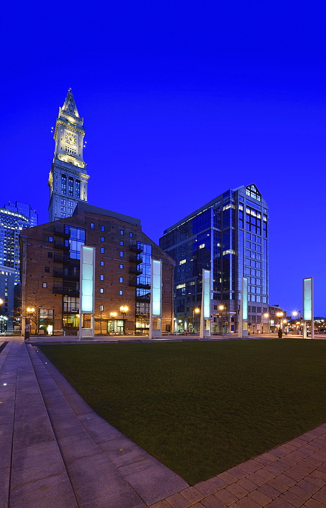 Rose Kennedy Greenway and clock tower, USA, Massachusetts, Boston, Rose Kennedy Greenway
