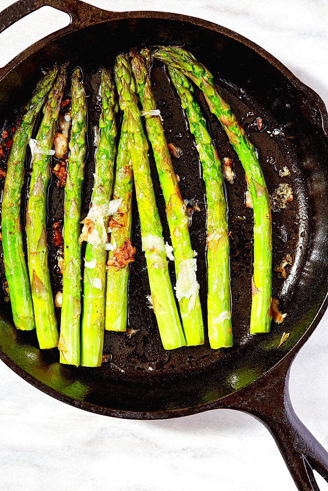 Asparagus in cast iron skillet