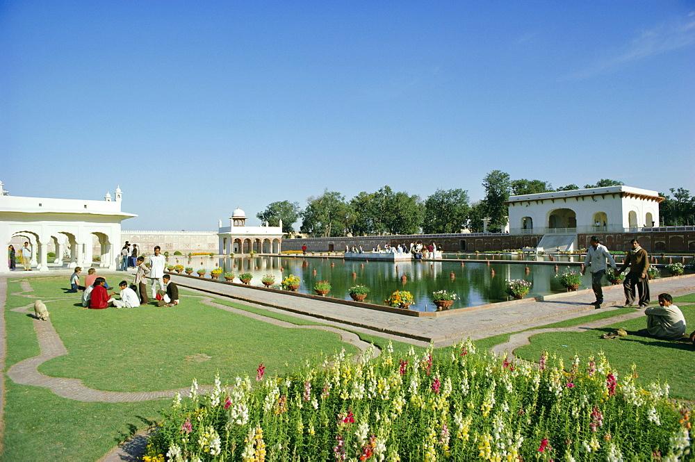 Shalimar (Shalamar) Gardens, UNESCO World Heritage Site, Lahore, Punjab, Pakistan, Asia