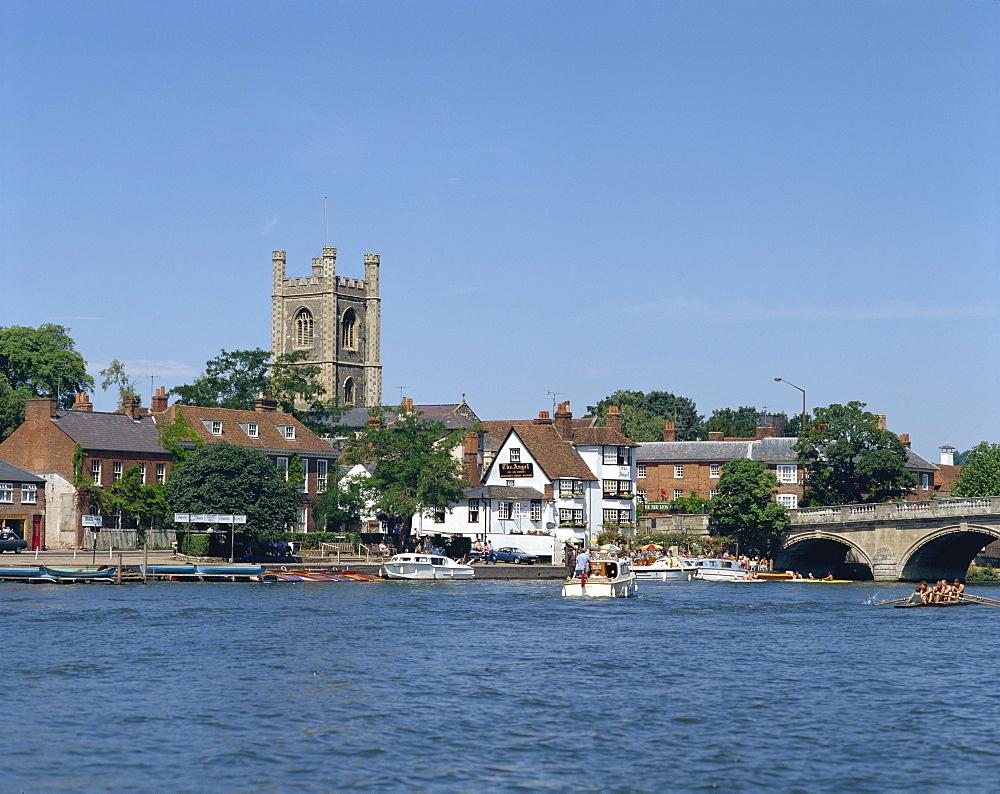 River Thames at Henley on Thames, Oxfordshire, England, United Kingdom, Europe