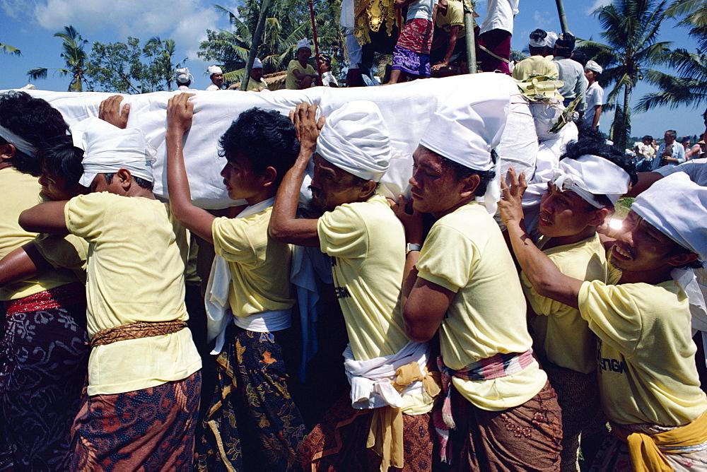 Funeral procession, Bali, Indonesia, Southeast Asia, Asia