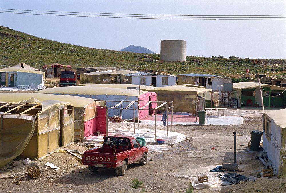 Ghetto on main road, Iraklion, Crete, Greek Islands, Greece, Europe