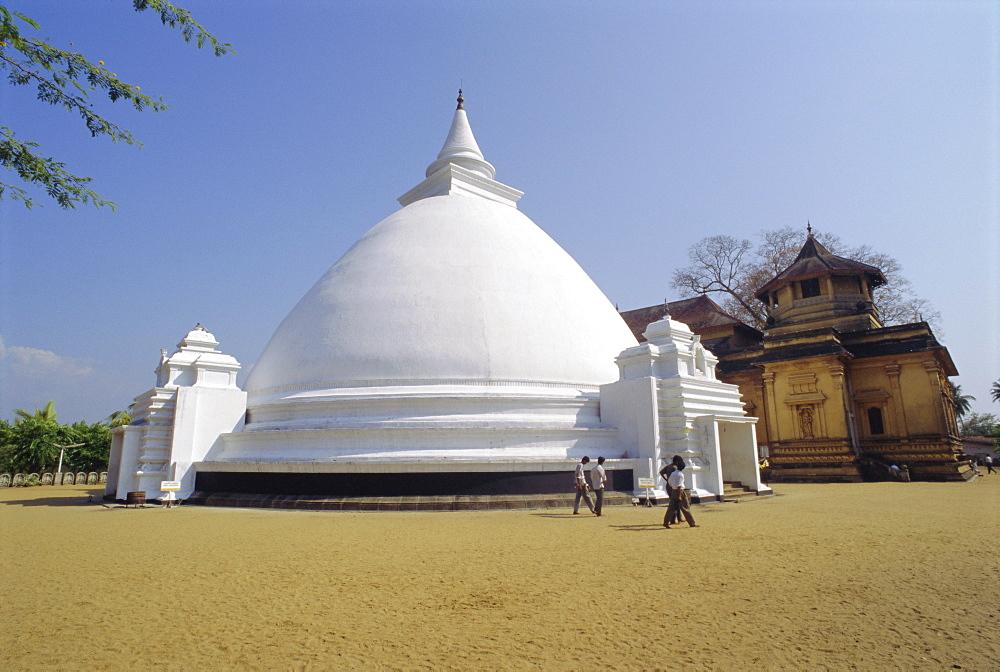 White Buddhist stupa, Kelaniya Temple, Sri Lanka