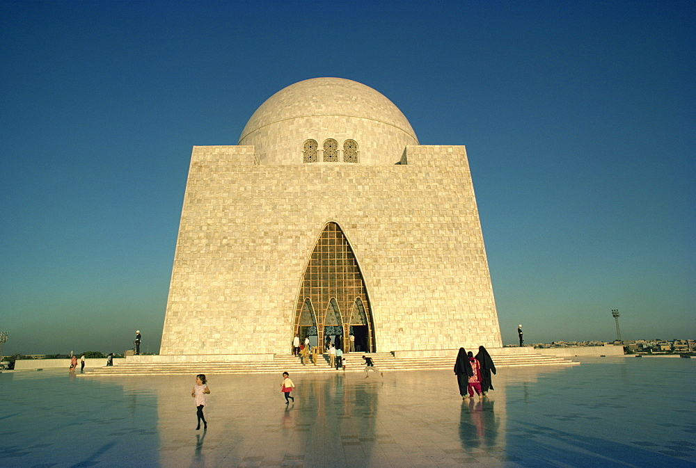 The tomb of Mohammed Ali Jinnah in Karachi, Pakistan, Asia
