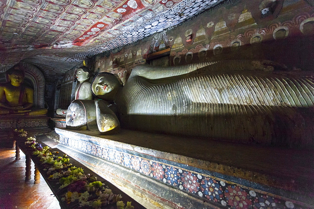 Reclining Buddha, Royal Rock Temple, Golden Temple of Dambulla, UNESCO World Heritage Site, Dambulla, Sri Lanka, Asia