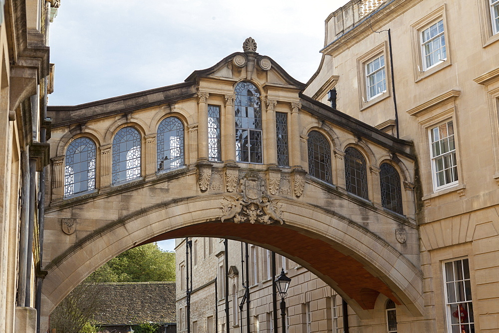 Hertford Bridge (The Bridge of Sighs), joining Hertford College and New College Lane, Oxford, Oxfordshire, England, United Kingdom, Europe