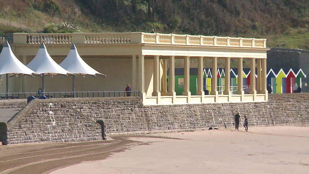 ms huts & shelter & beach - 1031-2214