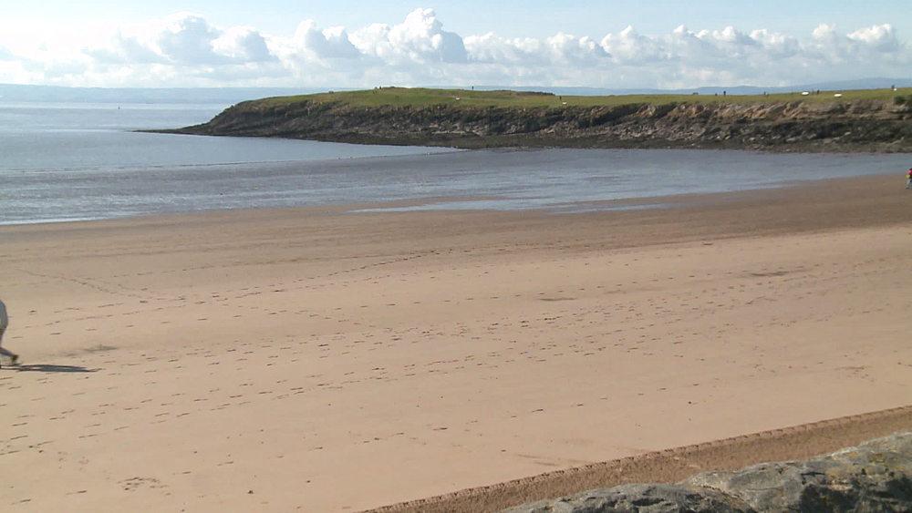 ws beach & headland people walking - 1031-2219