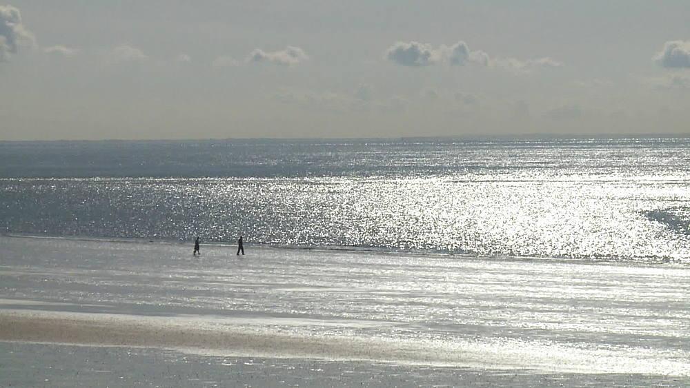 ws beach & sparkling sea & silhouette figures ws & ms - 1031-2221