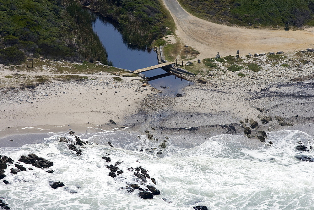 Secluded spot on Garden Route.  Walker Bay, South Africa - 1036-289