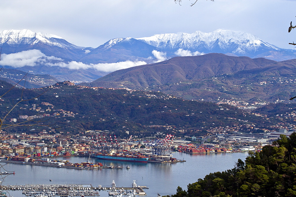 La Spezia in the snowy mountains - 1061-32