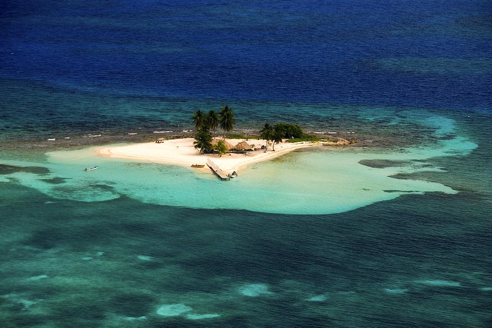 coral key, Belize barrier reef - 1072-103