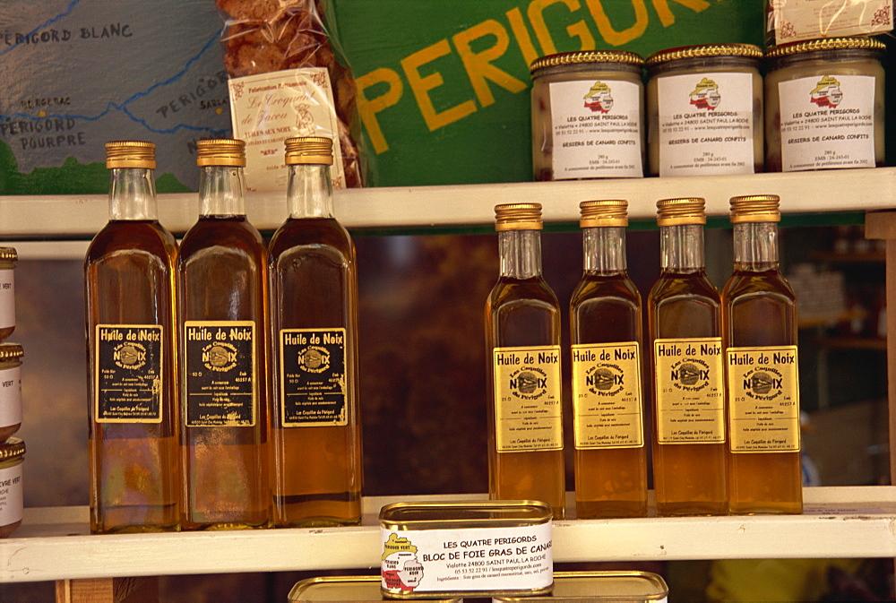 Produce of Perigord, Le Bugue market, Dordogne, Aquitaine, France, Europe - 11-764