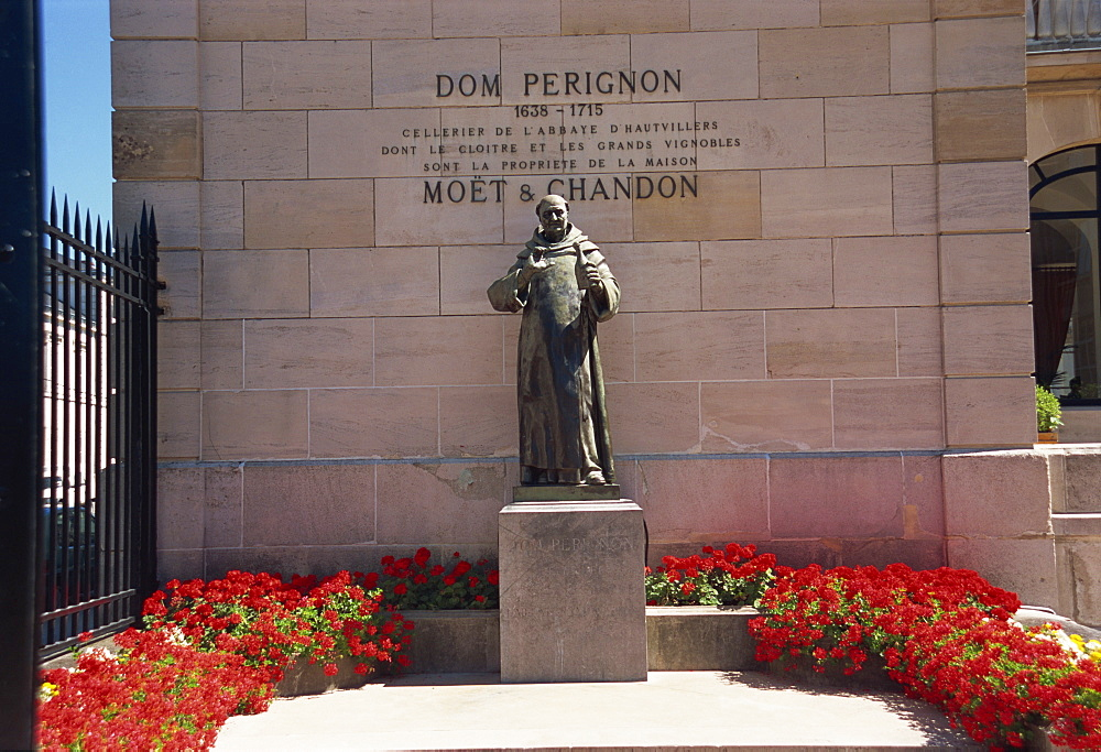 Statue of Dom Perignon, Epernay, Champagne Ardenne, France, Europe - 11-800