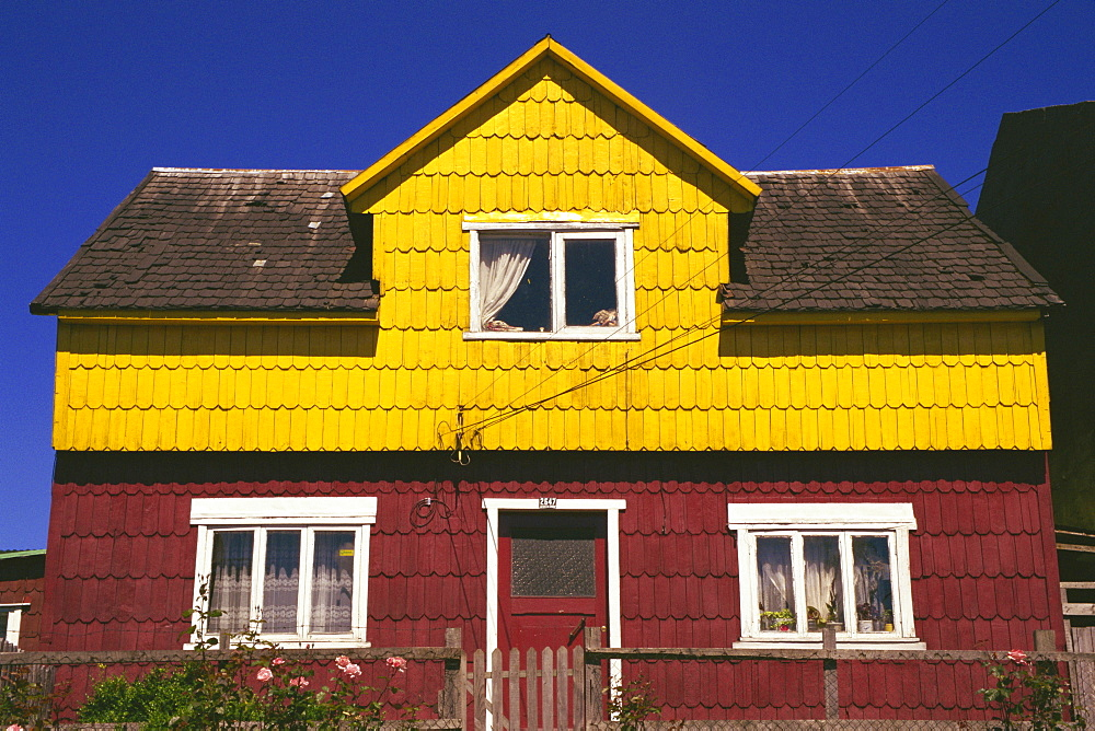 Shingle tiled house, Puerto Montt, Chile, South America - 110-16186