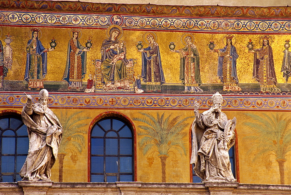 Mosaics of the wise and foolish virgins, Church of Santa Mavia in Trastevere, Rome, Lazio, Italy, Europe
