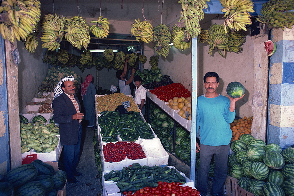 Fruit and vegetable sellers, Kerak, Jordan, Middle East - 110-5296