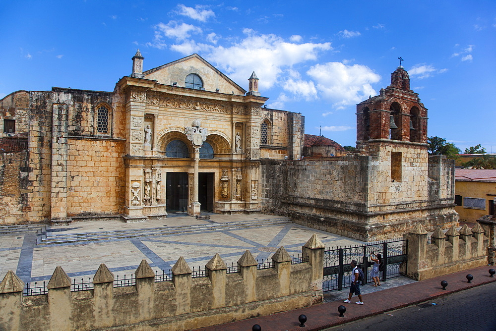 Cathedral, Colonial Zone, UNESCO World Heritage Site, Santo Domingo, Dominican Republic, West Indies, Caribbean, Central America