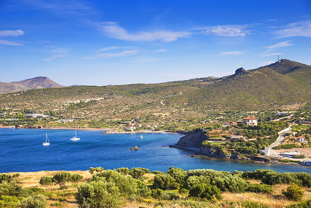 Sounio Bay, to the left is the Grecotel Exclusive Resort, Cape Sounion, near Athens, Greece, Europe