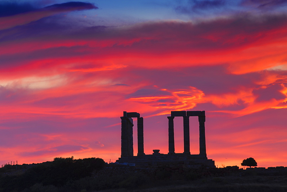 Temple of Poseidon at sunset, Cape Sounion, near Athens, Greece, Europe