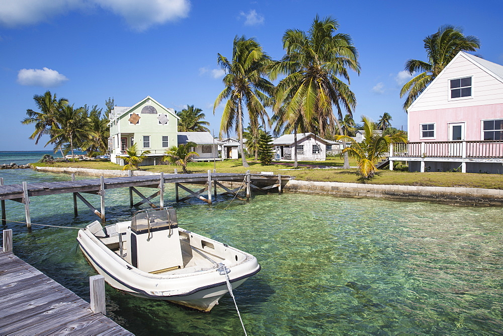 Oceanfront wooden houses, New Plymouth, Green Turtle Cay, Abaco Islands, Bahamas, West Indies, Central America