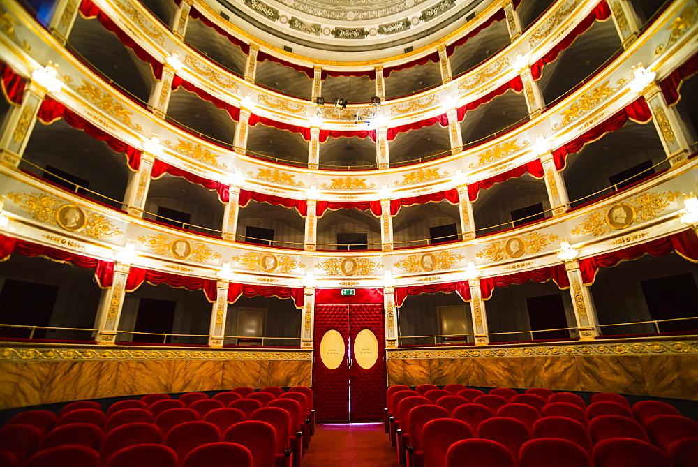 Interior of Noto Theatre (Teatro Comunale Vittorio Emanuele) in Piazza XVI Maggio, Noto, Val di Noto, Sicily, Italy, Europe