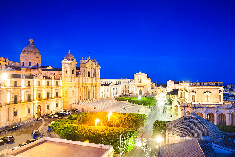 St. Nicholas Cathedral, Church of San Salvatore and Town Hall, Piazza del Municipio, Noto, Val di Noto, UNESCO World Heritage Site, Sicily, Italy, Europe
