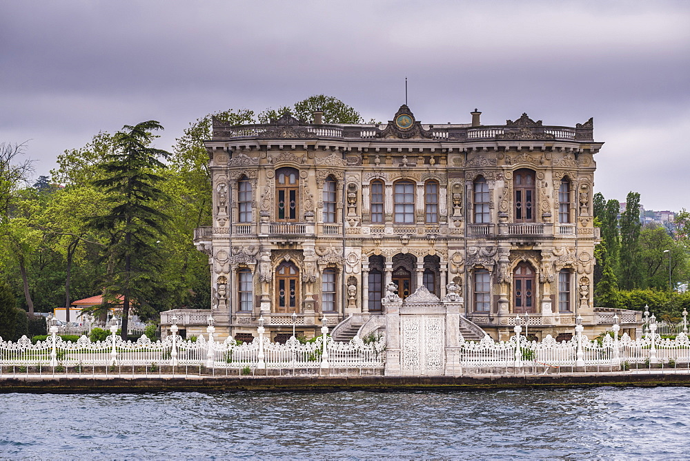 Kucuksu Palace (Kucuksu Pavilion) (Goksu Pavilion), Istanbul, Turkey, Europe