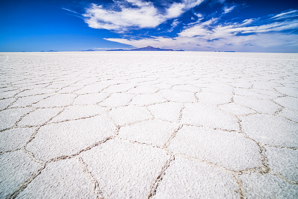 Uyuni Salt Flats patterns landscape (Salar de Uyuni), Uyuni, Bolivia, South America