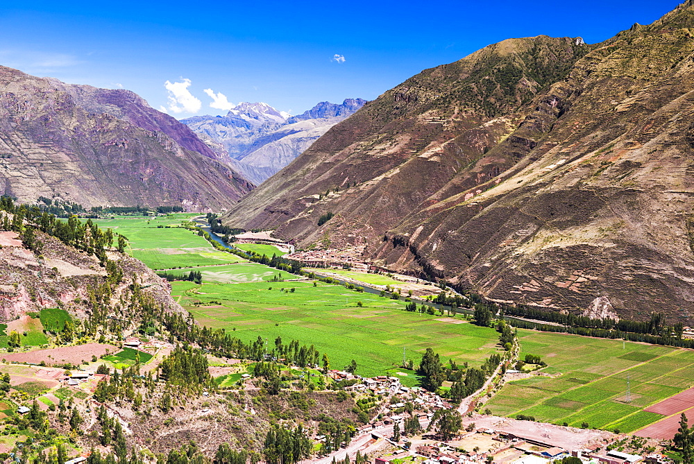 Sacred Valley of the Incas (Urubamba Valley), Andes mountains landscape, near Cusco, Peru, South America