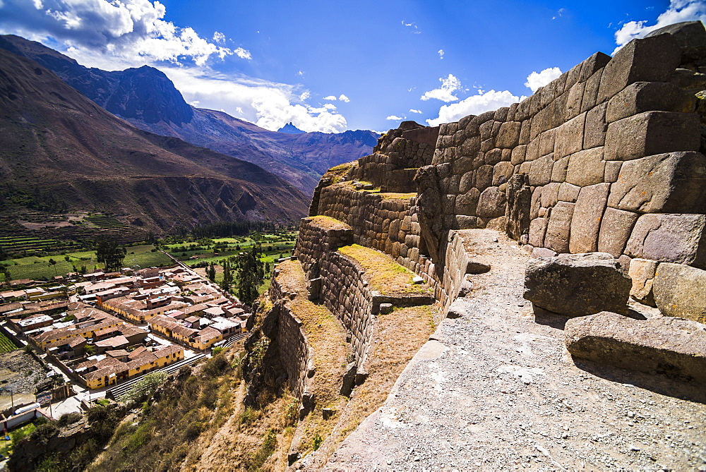 Inca Ruins of Ollantaytambo, Sacred Valley of the Incas (Urubamba Valley), near Cusco, Peru, South America