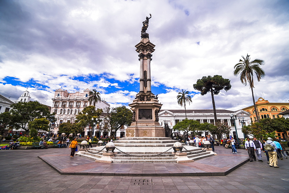 Independence Square, the Historic Centre of Quito Old Town, Quito, UNESCO World Heritage Site, Ecuador, South America