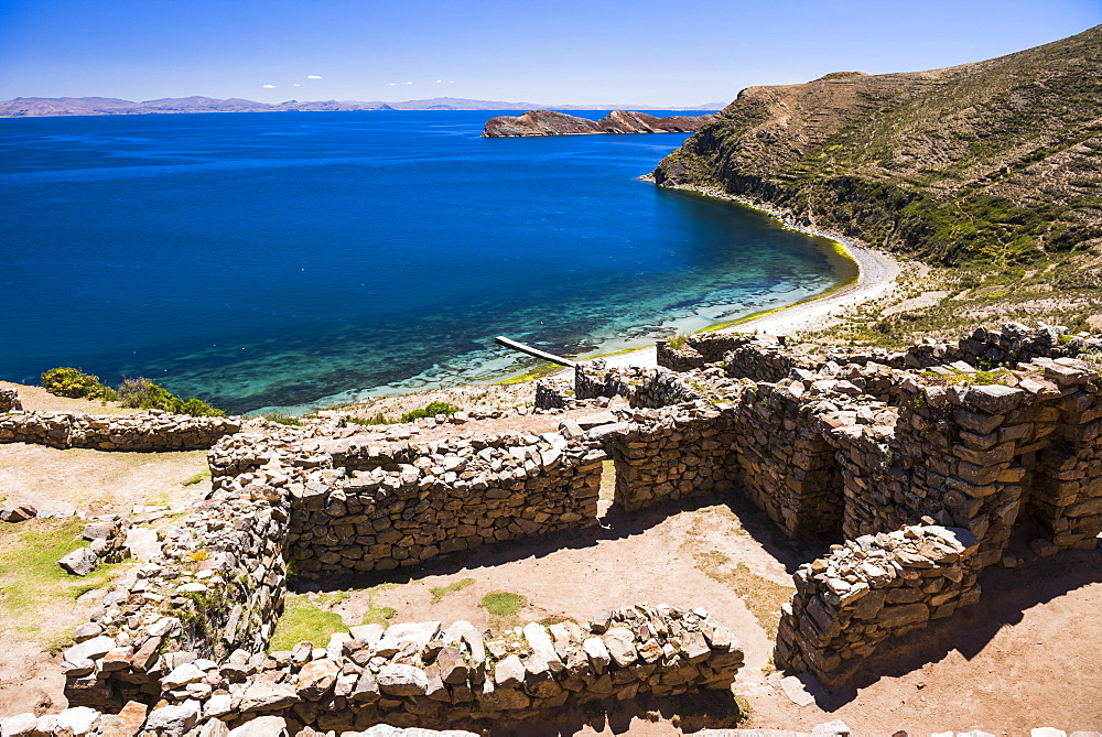 Palacio del Inca at Chincana Ruins, Inca ruins on Isla del Sol (Island of the Sun), Lake Titicaca, Bolivia, South America