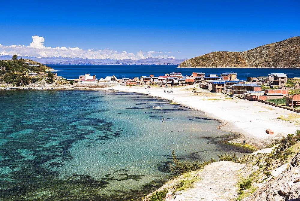 Beach at Challapampa village, Isla del Sol (Island of the Sun), Lake Titicaca, Bolivia, South America