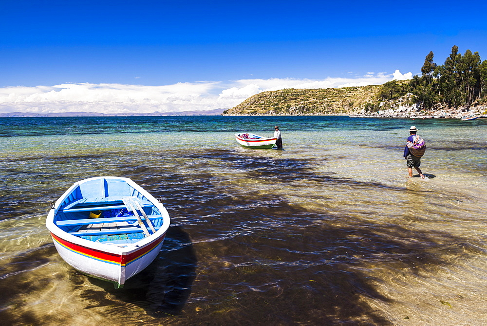 Villagers going fishing on Lake Titicaca at Challapampa village, Isla del Sol (Island of the Sun), Bolivia, South America