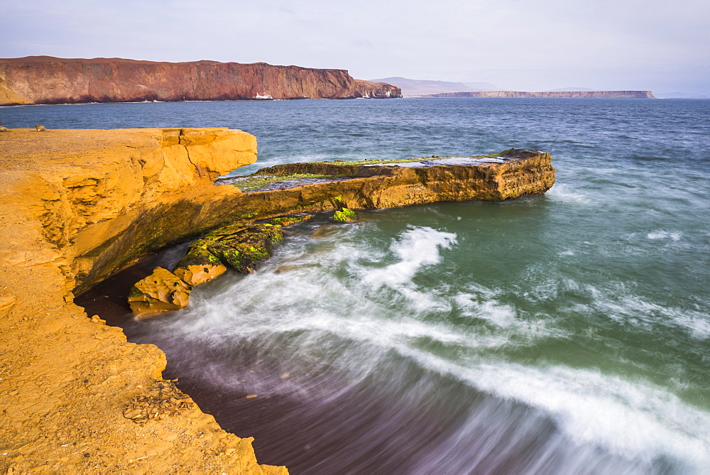 Desert directly meeting the sea (Pacific Ocean), Paracas National Reserve (Reserva Nacional de Paracas), Ica, Peru, South America