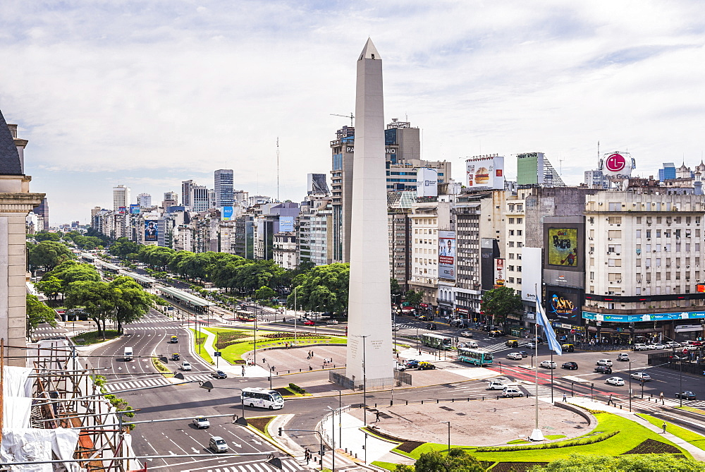 Obelisco and Avenida 9 de Julio (9 July Avenue), Buenos Aires, Argentina, South America