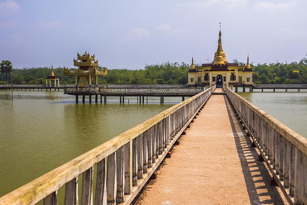 Snake Temple (Mwe Paya) between Dalah and Twante, across the river from Yangon, Myanmar (Burma), Asia