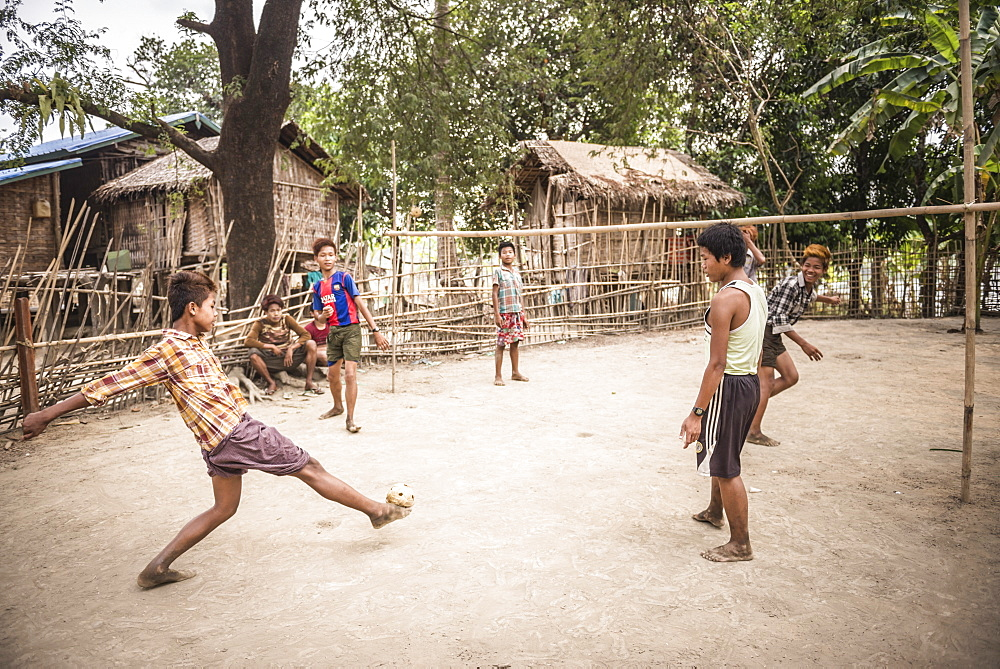 Chinlone (Caneball), the traditional sport of Myanmar (Burma), Asia