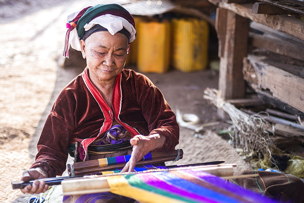 Palaung woman weaving, part of the Palau Hill Tribe near Hsipaw Township, Shan State, Myanmar (Burma), Asia - 1109-2481