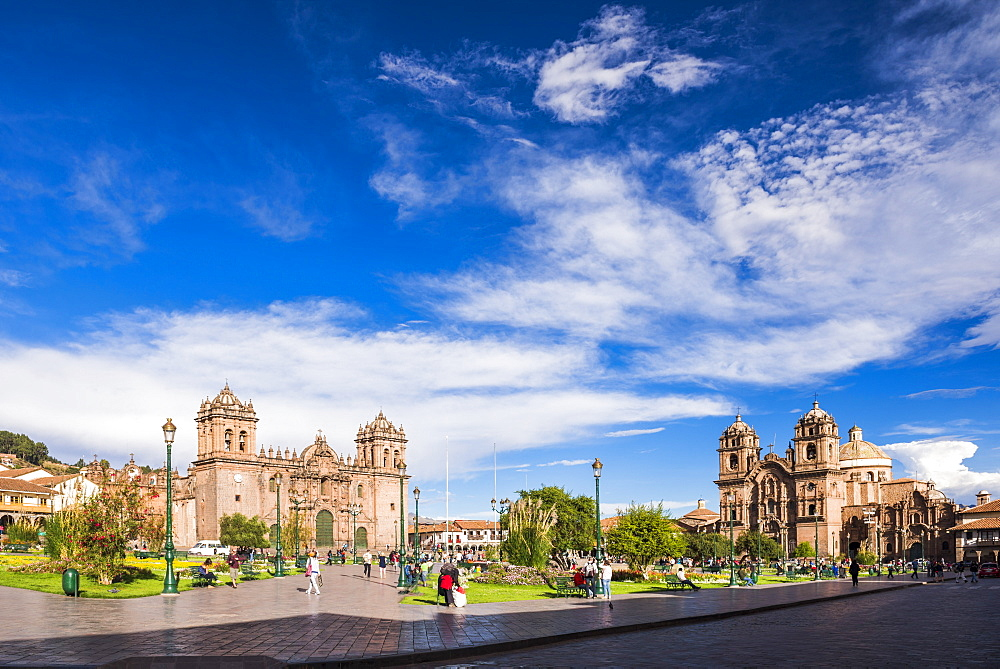 Cusco Cathedral (Basilica of the Assumption of the Virgin) and La Compania (Church of the Society of Jesus), Plaza de Armas, Cusco, Peru, South America