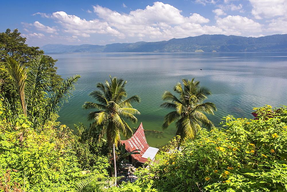 Batak Houses at Lake Toba (Danau Toba), the largest volcanic lake in the world, North Sumatra, Indonesia, Southeast Asia, Asia