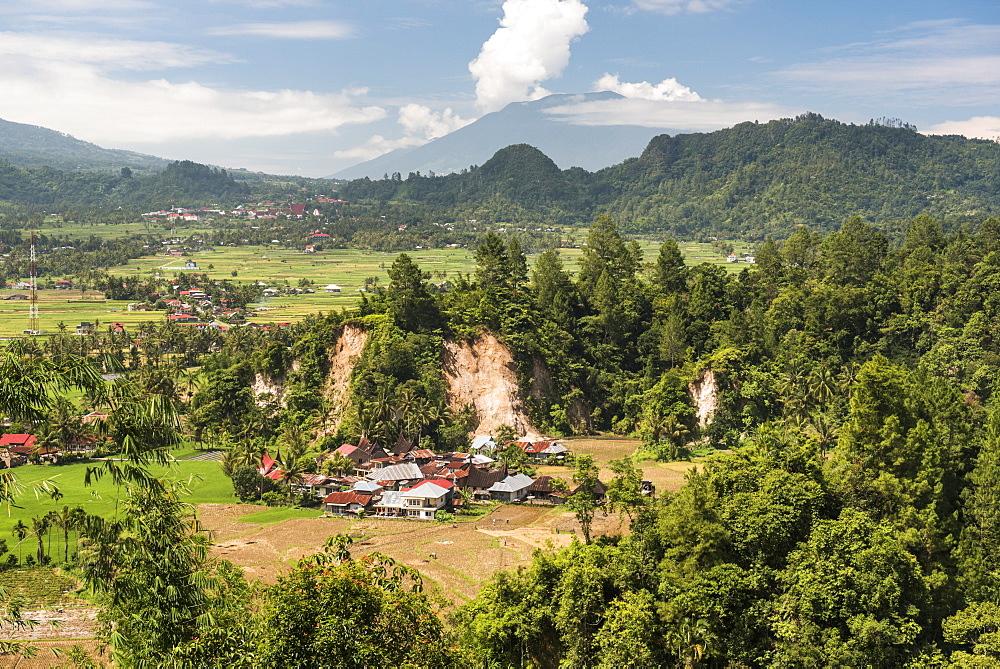 Traditional farming village of Sungai Angek near Bukittinggi, West Sumatra, Indonesia, Southeast Asia, Asia