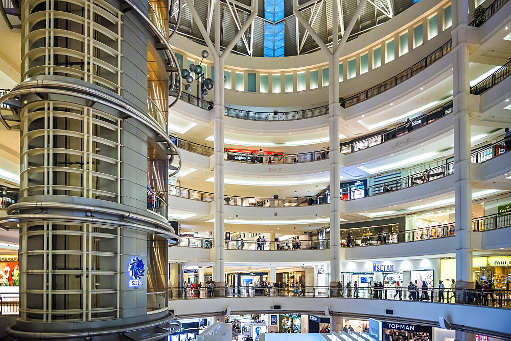 Suria KLCC Shopping Mall, Kuala Lumpur, Malaysia, Southeast Asia, Asia
