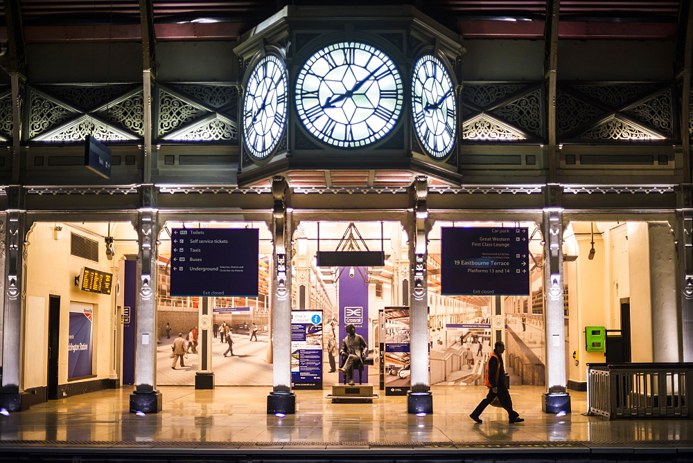 The clock, Paddington Station, City of Westminster Borough, London, England, United Kingdom, Europe
