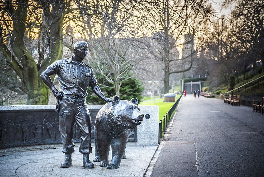 Statue of Wojtek the Soldier Bear, Princes Street Gardens, Edinburgh, Scotland, United Kingdom, Europe
