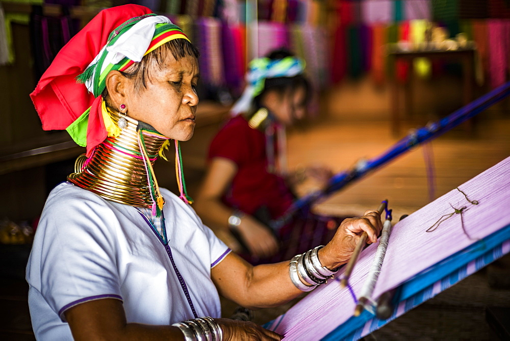 Long necked woman from Padaung tribe weaving at Inle Lake, Shan State, Myanmar (Burma), Asia - 1109-3666